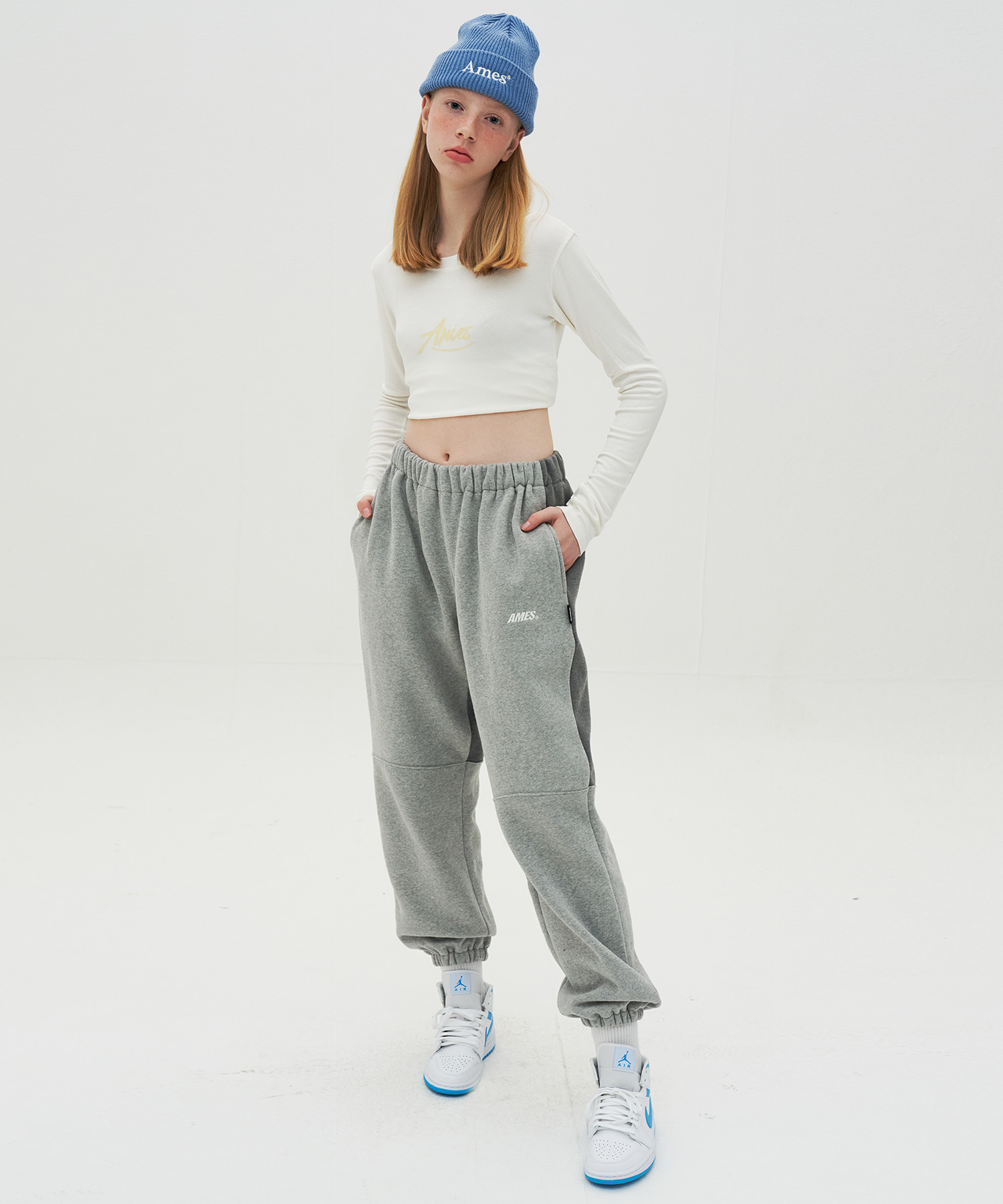 TWO TORN SWEATPANTS_GY