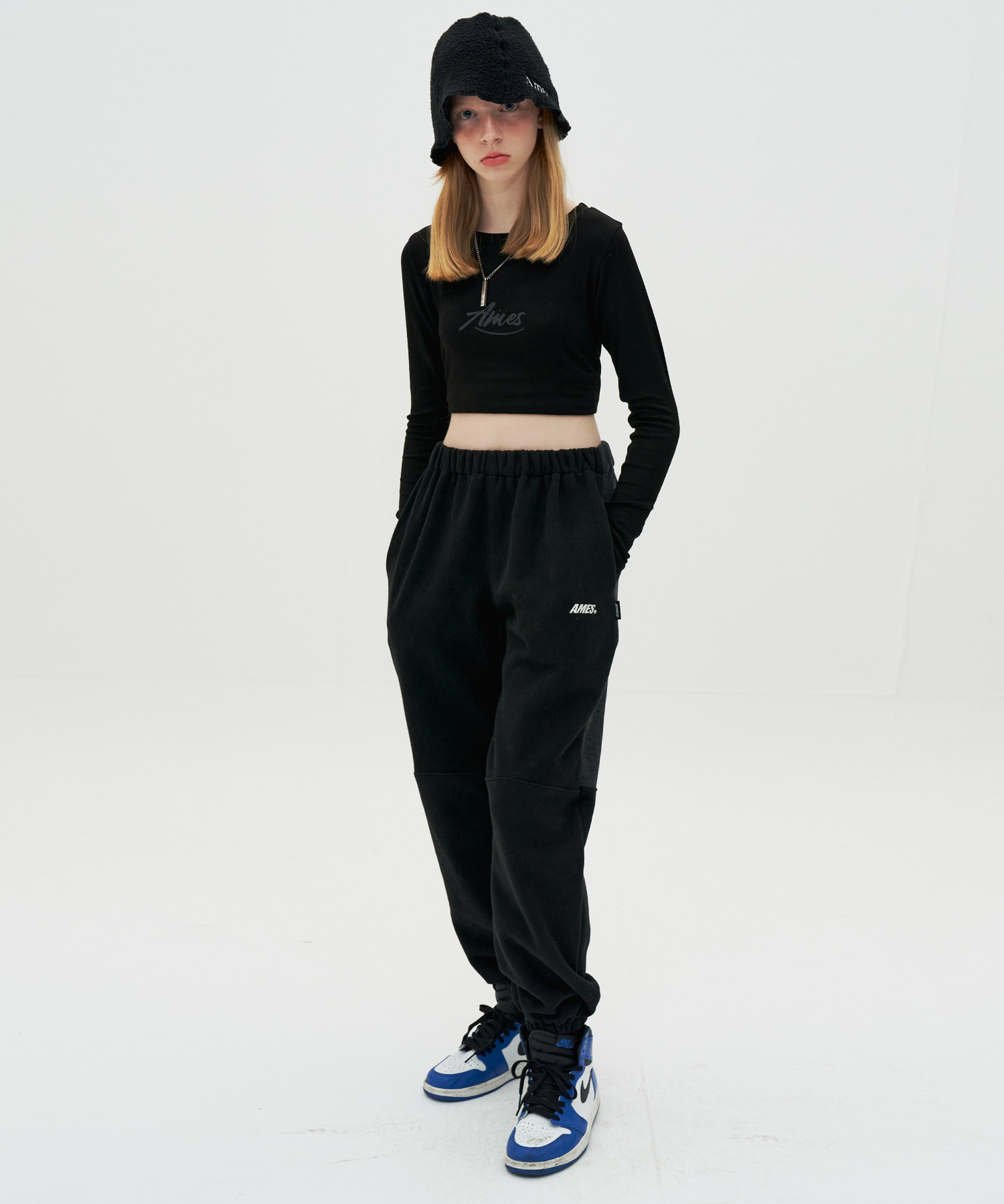 TWO TORN SWEATPANTS_BK