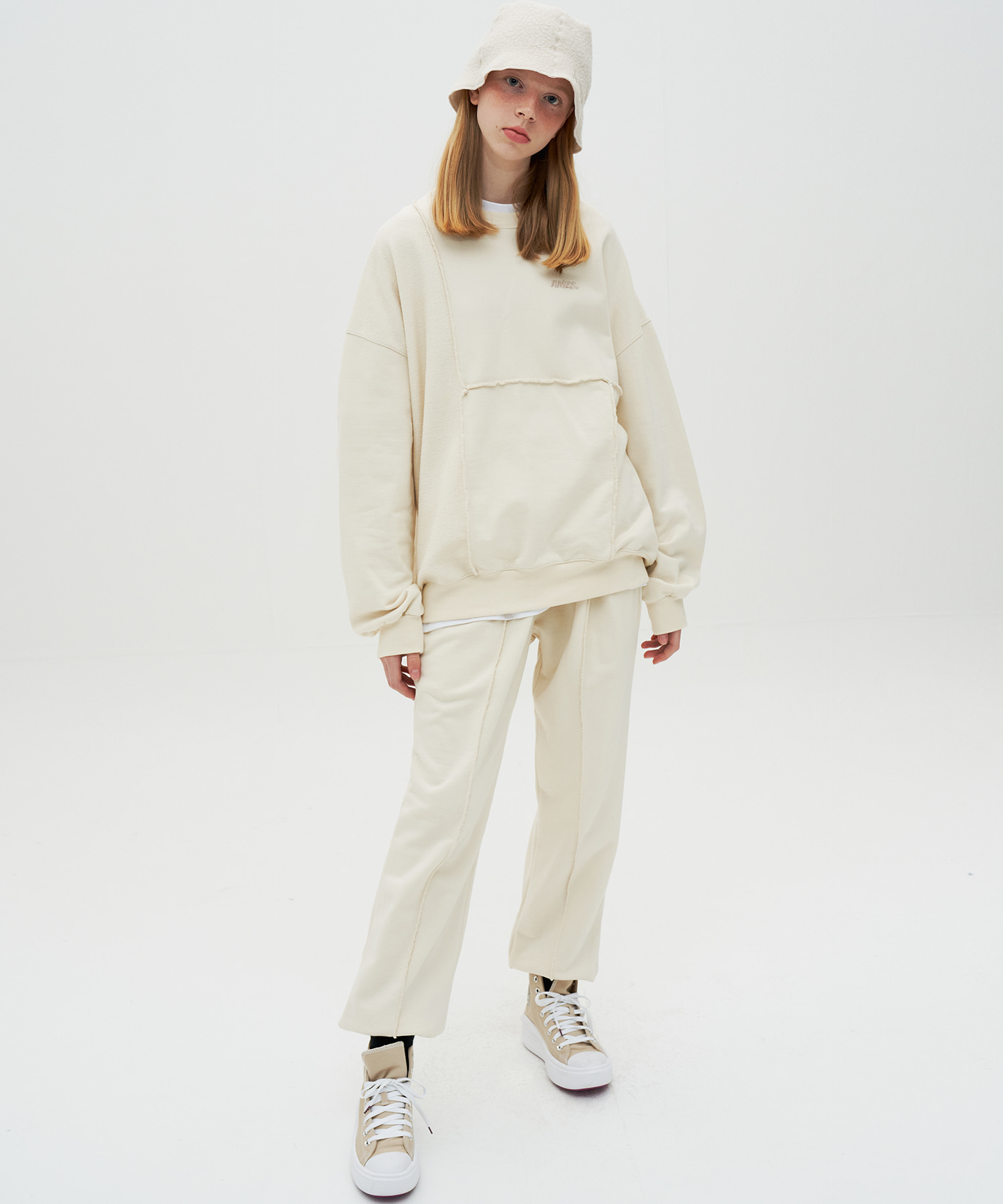 PINTUCK SWEATPANTS_IV