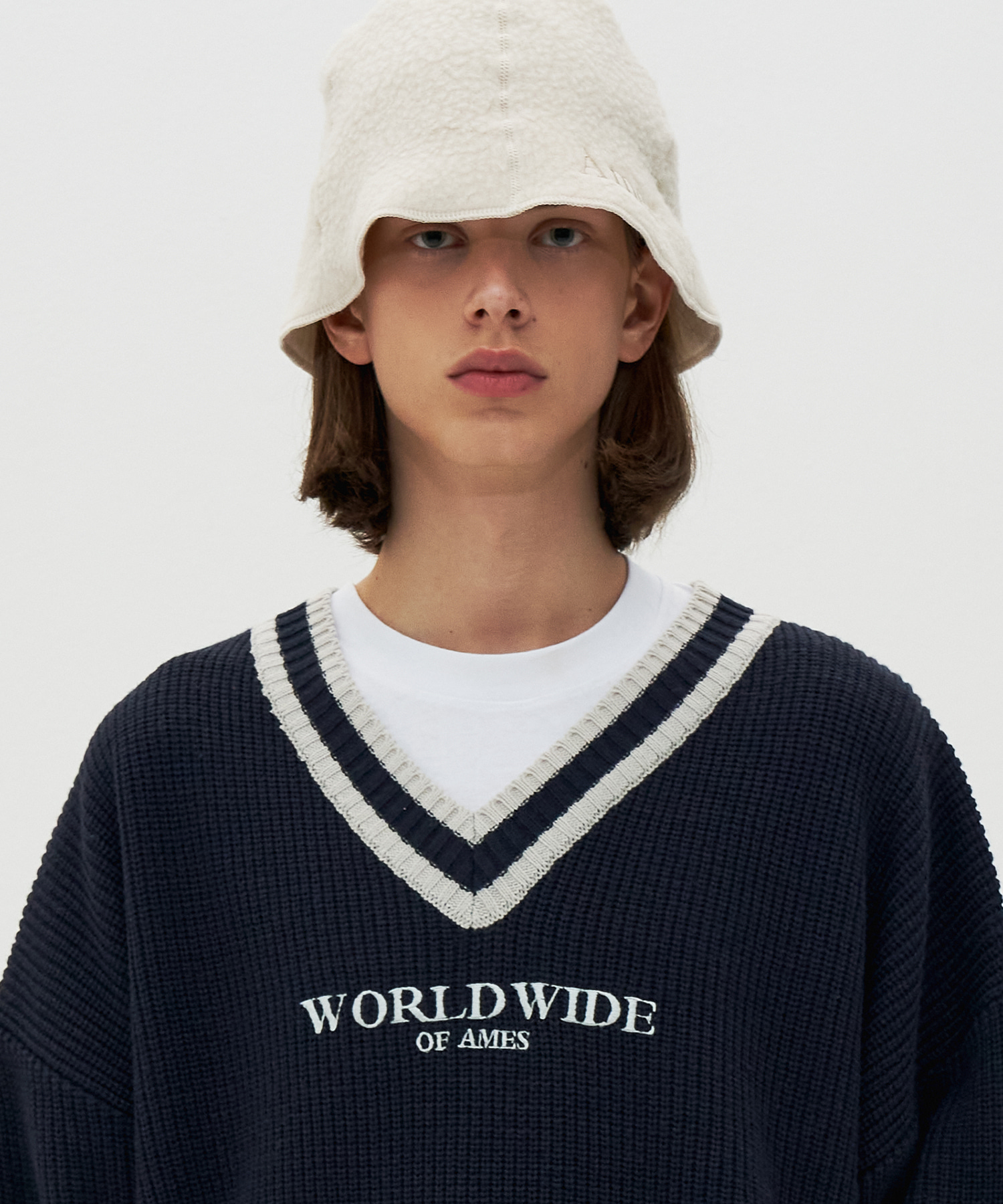 LOGO V NECK KNIT_NV