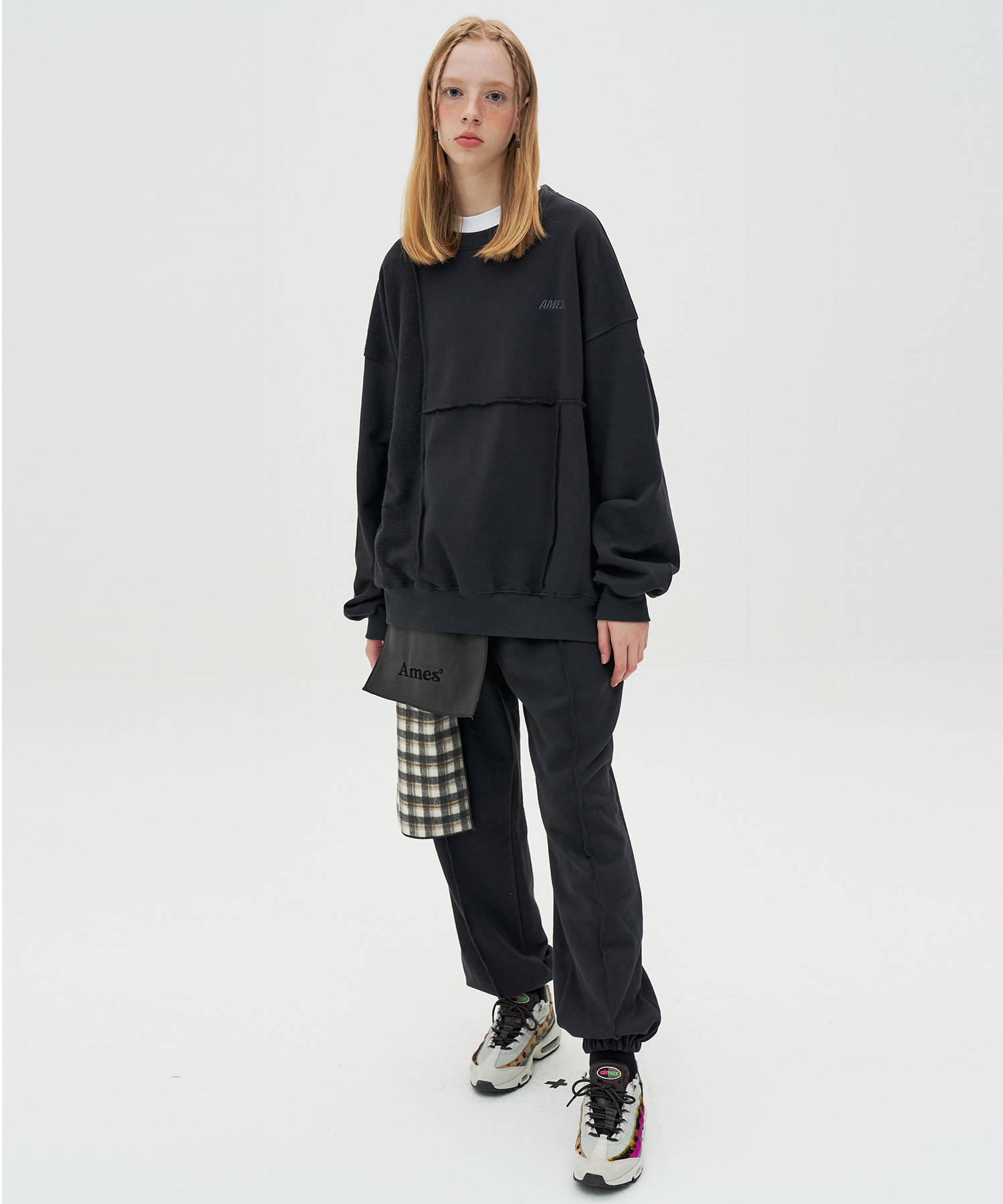 PINTUCK SWEATPANTS_BK