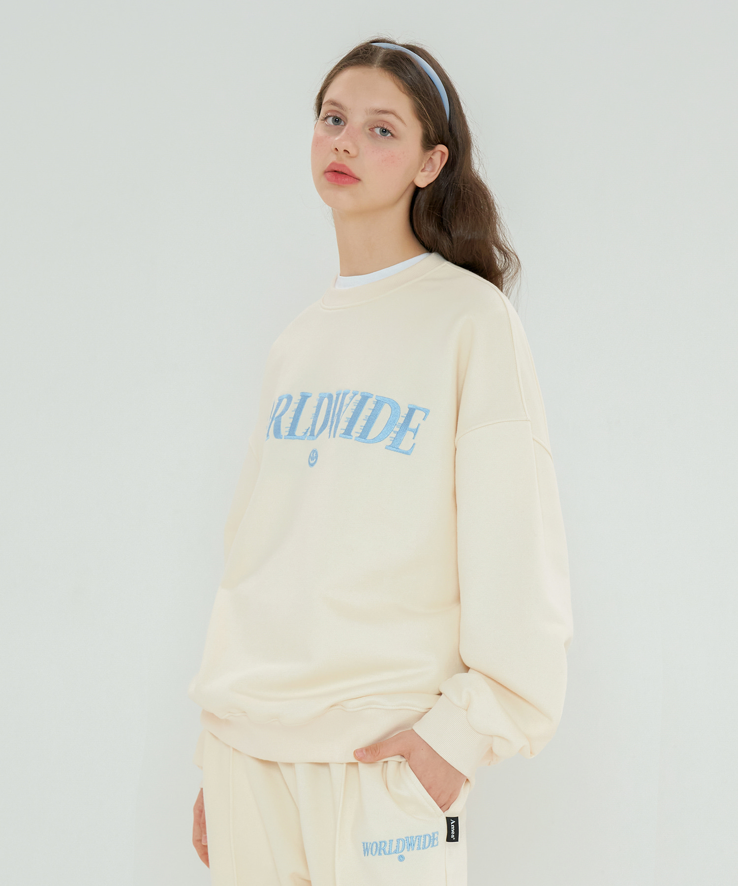 MOVING SMILE SWEATSHIRTS_IV