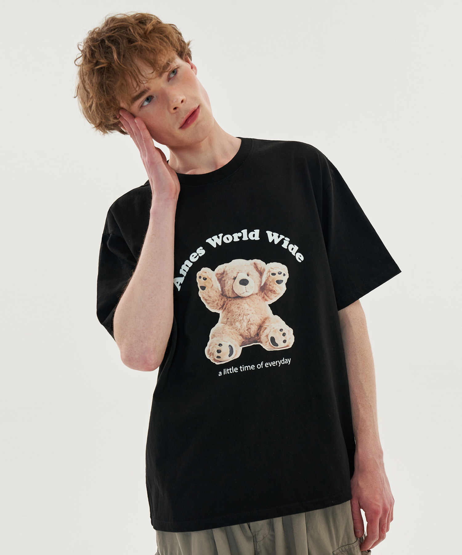 HANDS UP BEAR T-SHIRTS_BK